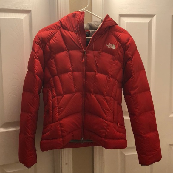 1ff6f8b00 Red north face puffer with hood
